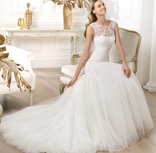 Tips: Selecting Your Wedding Dress