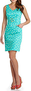 What color shoes can I wear with an aqua polka dot dress?
