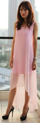 Can I wear black shoes with a pale pink color dress?