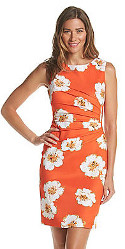 What color & shoe style goes with an orange & white scuba dress?