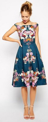 What can I wear to a Hawaiian wedding?