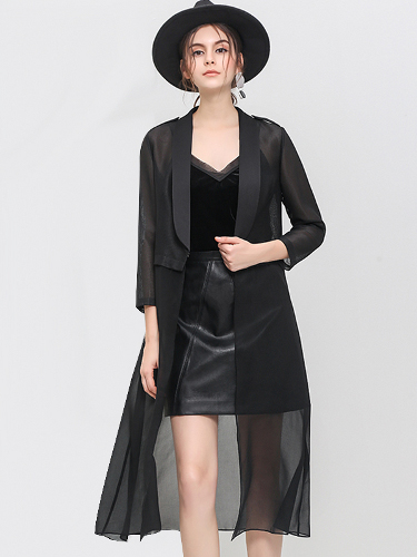 Can I wear a mini skirt or shorts with a black kimono to a wedding?