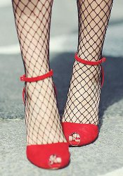 Is it a fashion no-no to wear pantyhose with open toe shoes or strappy heel sandals?