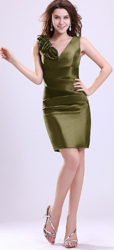 I wear with an olive green dress