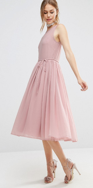Should a prom dress be floor length?