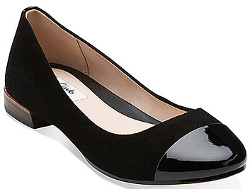 What shoes can I wear to my step-granddaughter's wedding?