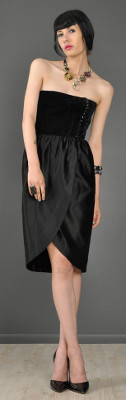 Can I wear a black velvet dress to a September wedding?