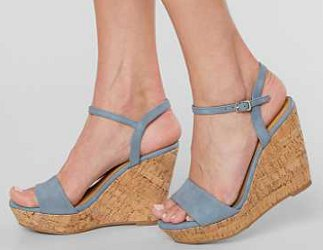 how can i wear high heel wedge sandals with shorts